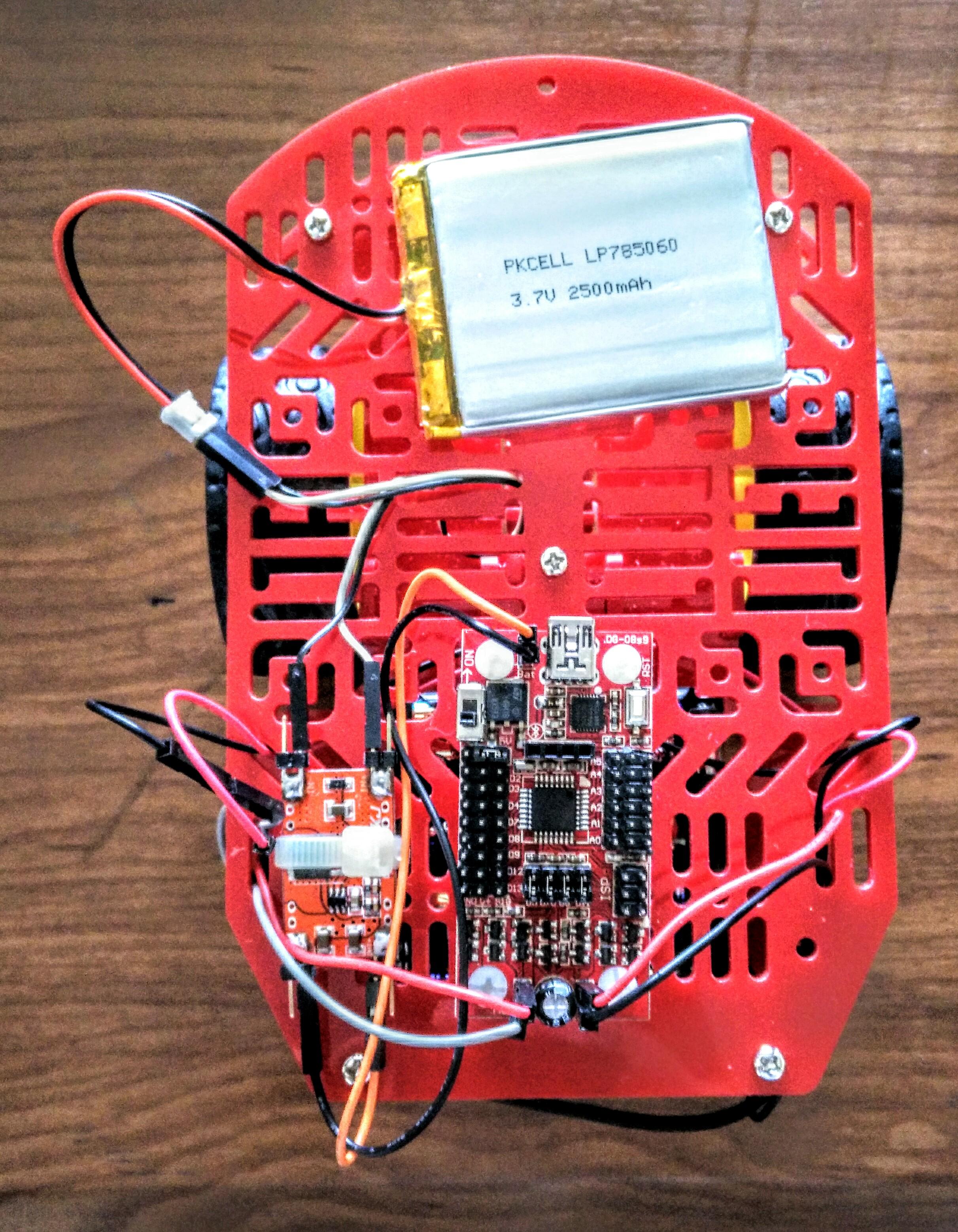 Robot de dos llantas y un micro-controlador S4A-EDU